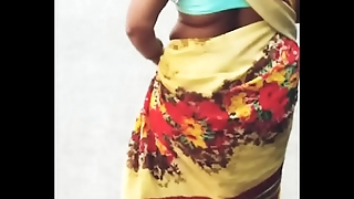INDIAN MAID CURVY HIP