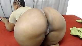 Hotjuicybootyx shaking ass