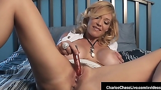 Mature Milf Charlee Hunting Vibrates Her Clit Until She Cums!