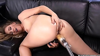 Hot ass blonde fucking machine solo